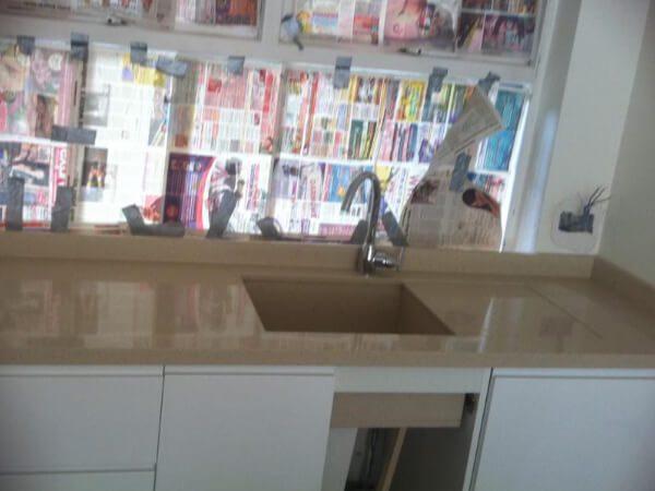 quartz-kitchens-kensington