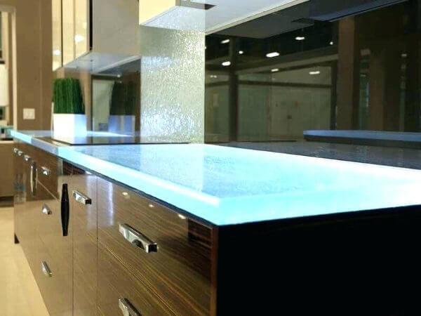 glass-kitchen-worktop