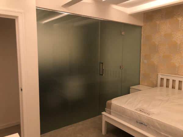glass-wardrobe-door