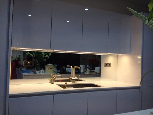kitchen-glass-splashbacks